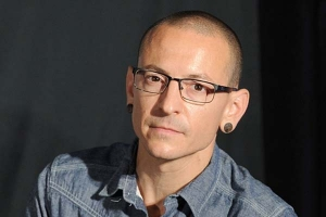 Brisbane Bands Gather At New Globe Theatre For Chester Bennington Tribute