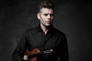 Barnabas Kelemen played with Queensland Symphony Orchestra.
