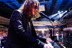 Dizzy Reed will release his debut solo album 16 February, 2018.