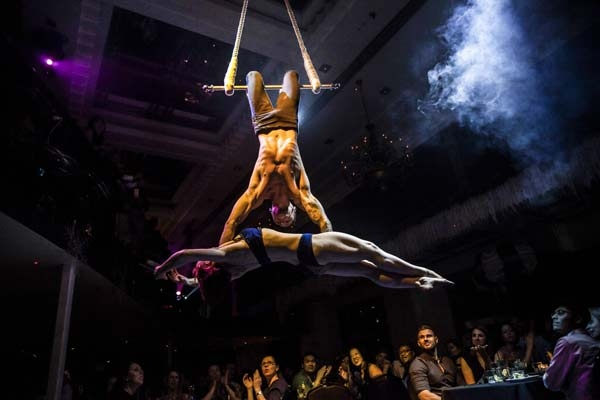 El' Circo Providing Dinner And A Show In Sydney
